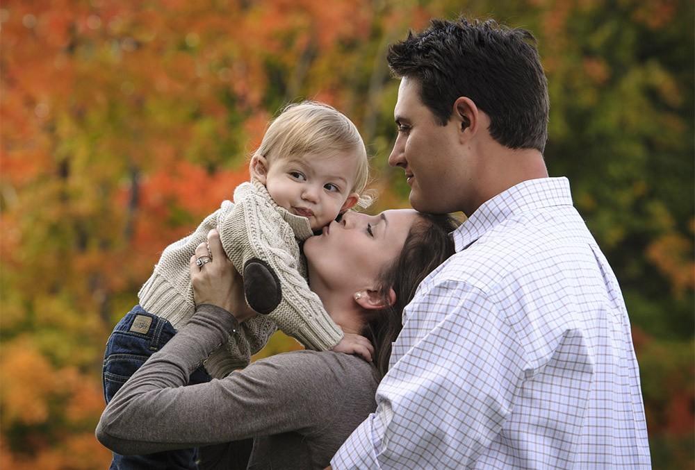 arboretum_park_fall_family