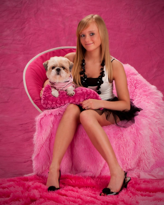 pink_dog_portrait_stuido