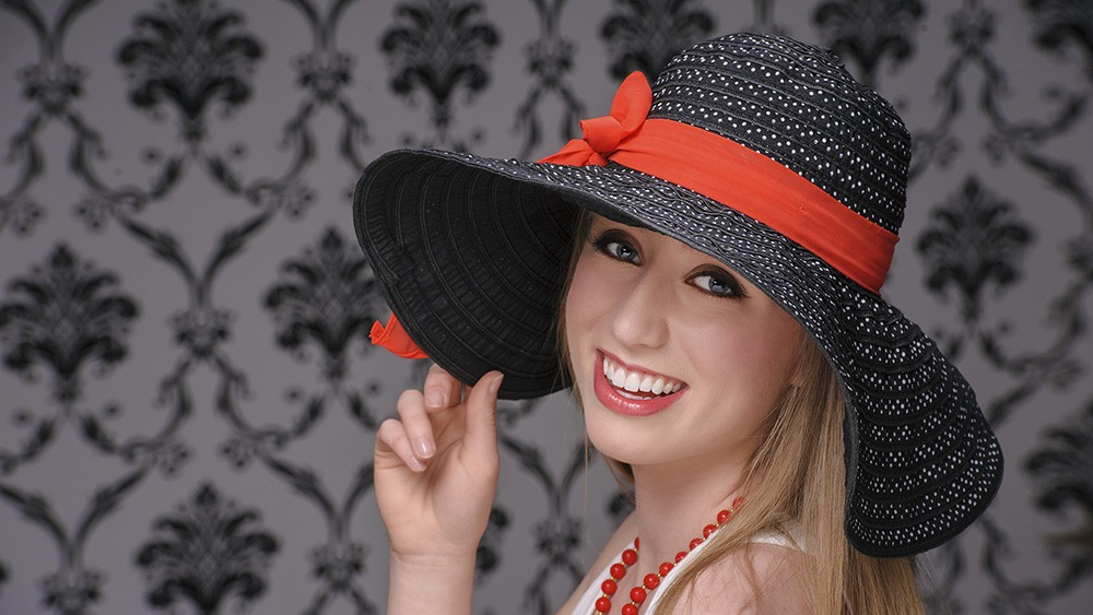 senior_accessories_hat_red_bow